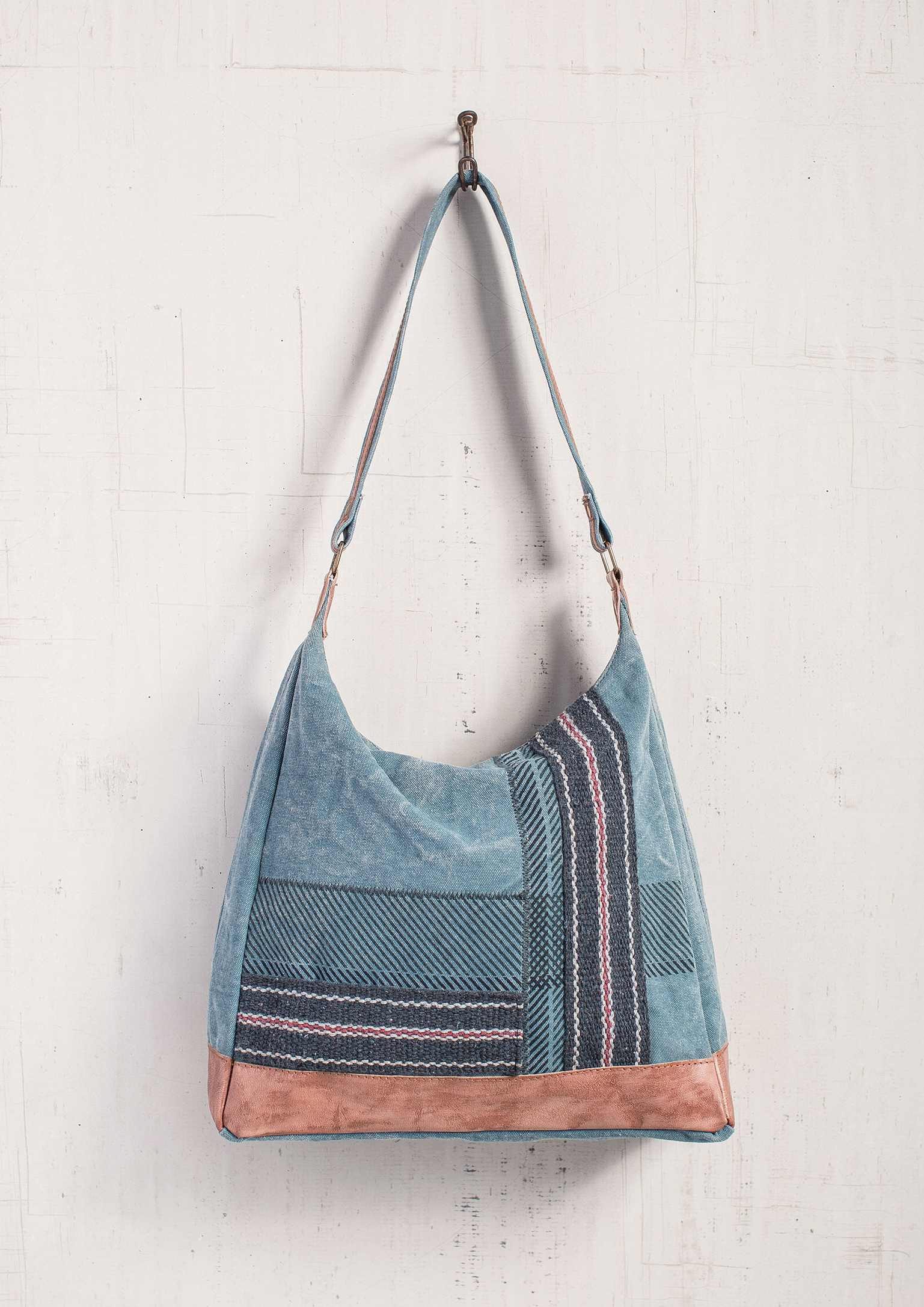 Sky charcoal shoulder bag