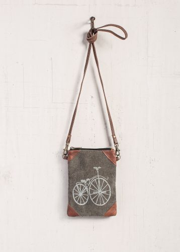 Paris streeter crossbody